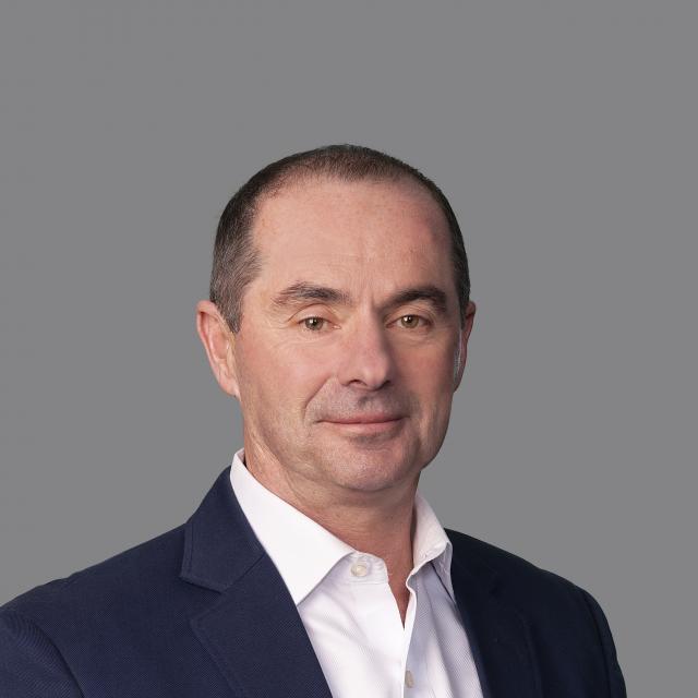 Jeremy Holt